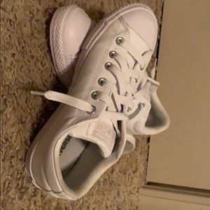 White tennis shoes size 5 youth